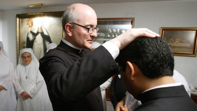 """El Papa Francisco exhortó a los sacerdotes que """"no deben dudar en consultar"""" a los exorcistas estos casos excepcionales. (USI)"""