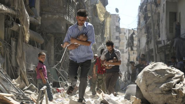 Las ciudades sirias son campos de batalla. El miedo y la desesperanza se respira en el aire. El futuro no existe. (AFP)