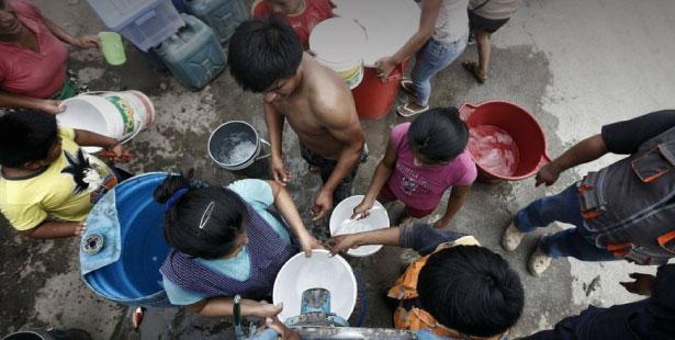 Hace cinco días que no tienen agua potable. (Foto: Perú21)