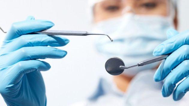Nueve de cada diez peruanos sufren de algún mal dental o de encías. Hay trabajo por hacer.