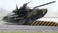 YouTube: Tanque T-90 ruso recibe dos impactos de proyectiles del Estado Islámico. (Sputnik)
