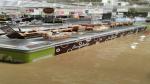 Piura: Centro Comercial Open Plaza está totalmente inundado - Noticias de plaza castilla