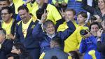 El candidato opositor Guillermo Lasso asistió al partido entre Ecuador y Colombia y denunció haber sido agredido (AFP).