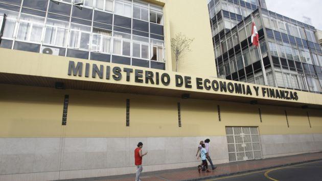 Efectos de El Niño. MEF elevaría déficit sin recurrir a créditos. (Perú21)
