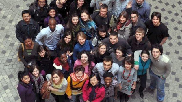 Una de cada cinco personas entre 18 y 35  años en Estados Unidos se identifica como LGBT, según un estudio de GLAAD . (USI)