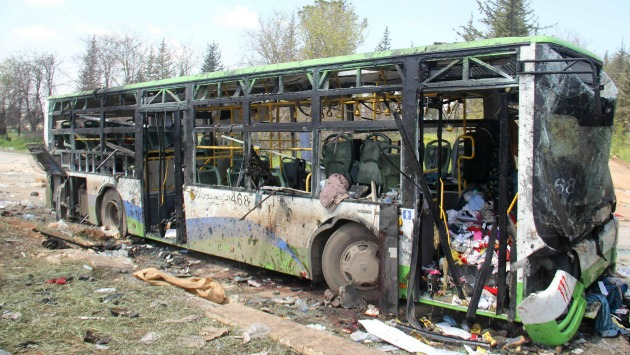 Camioneta bomba que ocasionó atentado suicida en Alepo. (EFE)
