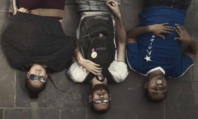 La nueva película peruana se llama [Wi:k], una historia sobre tres amigos que se sienten sin rumbo fijo en la vida. (Perú21)