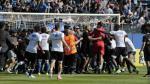 Hinchas del Bastia invaden el campo y atacan a jugadores del Olympique de Lyon [FOTOS - VIDEO] - Noticias de chelsea
