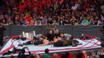 WWE: Braun Strowman rompe el ring por completo tras aplicarle un 'suplex' al Big Show [VIDEO] - Noticias de atleta