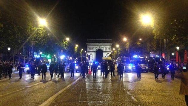 Francia: Estado Islámico se atribuyó el ataque en los Campos Elíseos. (@laratteaubin)