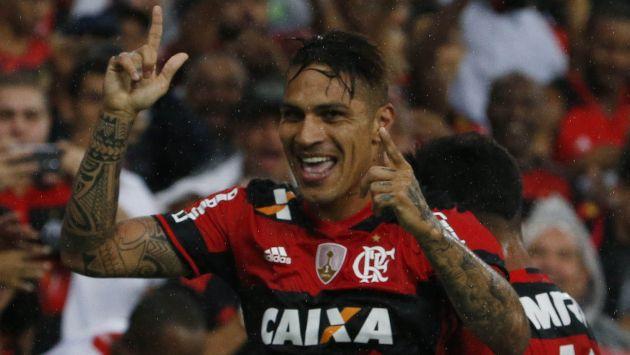 Guerrero le otorgó la clasificación al Flamengo a las semifinales del Campeonato Carioca con un doblete. (AP)