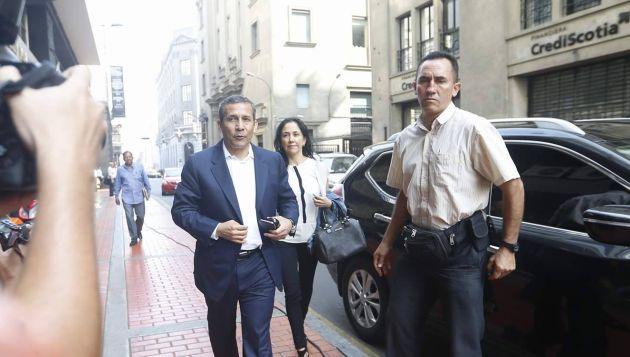 Pareja presidencial llegó sobre las 9:30 am. a la Fiscalía. (Mario Zapata)