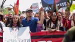 Leonardo DiCaprio marcha junto a indígenas en contra del cambio climático y de  Donald Trump [VIDEO] - Noticias de leonardo dicaprio