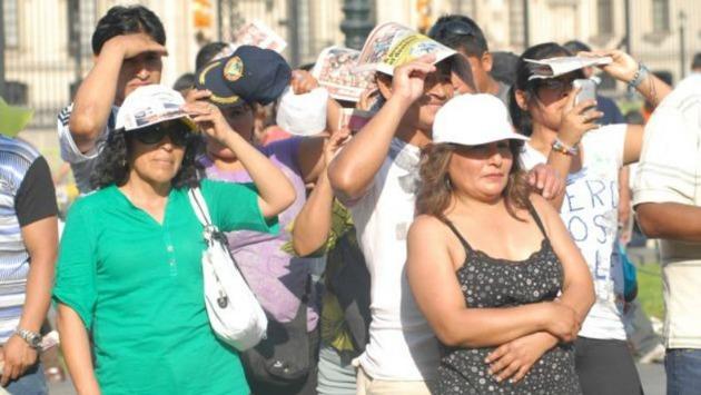 Limeños sorprendidos con el calor registrado en nuestra ciudad. (Foto: USI)