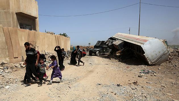 El Estado Islámico asesinó a más de 145 civiles que intentaban huir de la ciudad iraquí de Mosul (AFP)