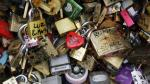 Francia: Los 'candados del amor' fueron subastados en beneficio de los refugiados - Noticias de francia