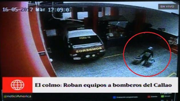 Un delincuente se llevó dos equipos de seguridad de la compañía de bomberos del Callado. (América TV)