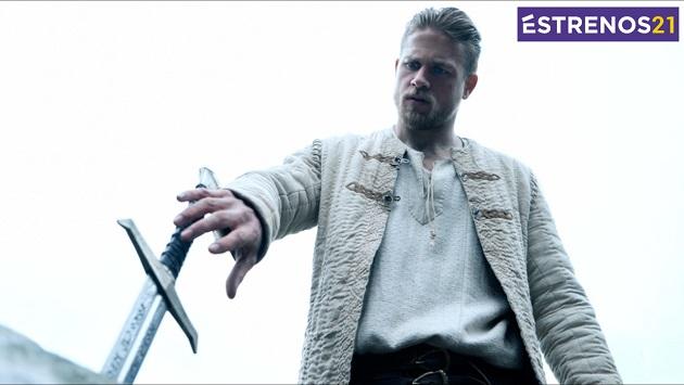 'El rey Arturo' y otras novedades de la cartelera. (Captura)
