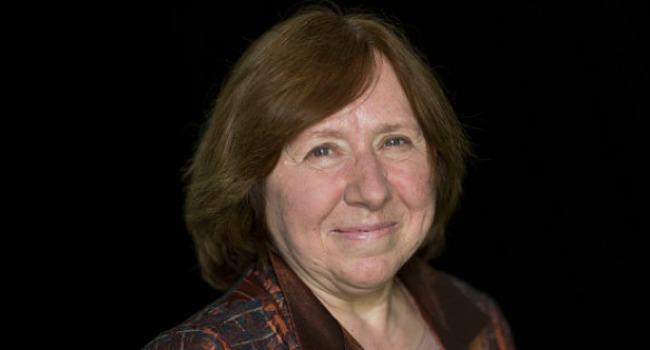 La escritora bielorrusa, de 68 años, se encuentra en Seúl presentando sus libros.