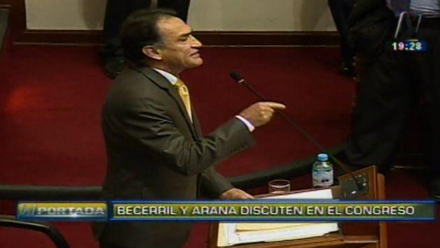 """Héctor Becerril aseguró que Marco Arana sigue el """"pensamiento Gonzalo"""" en acalorada discusión. (Canal N)"""