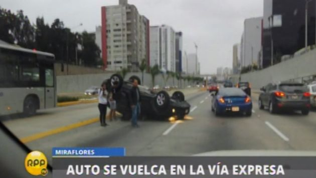 Accidente vehicular en la Vía Expresa deja dos heridos. (Captura)