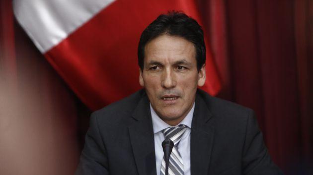Parlamentario señala que titular debe ser interpelada por la situación del sector salud. (Renzo Salazar)