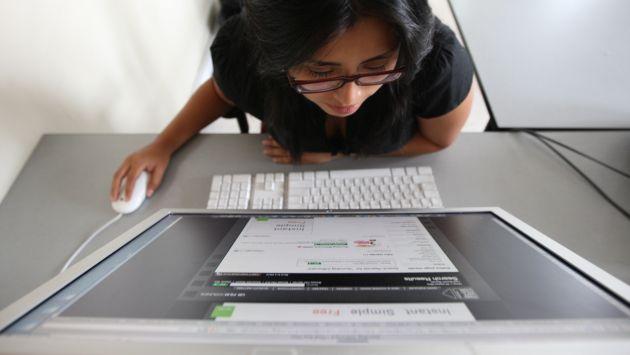 ¿Cómo evitar problemas oculares a la hora de usar pantallas electrónicas? (Gestión)