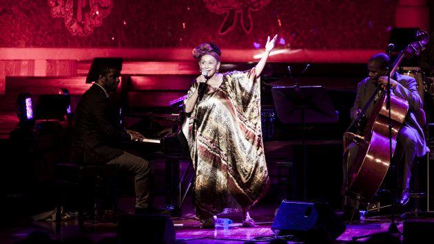 Omara Portuondo nació en La Habana, en 1930. Y ahora la tendremos en Lima. (Carlos Pericás)