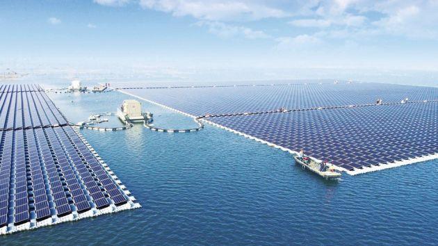 China busca liderar en generación de energía limpia con el proyecto de paneles solares flotantes (Mashable)