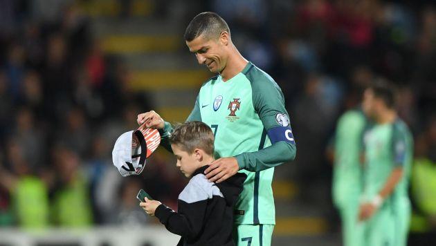Cristiano Ronaldo fue determinante para la reciente victoria 3-0 de Portugal sobre Letonia, por las Eliminatorias Rusia 2018. (AFP)