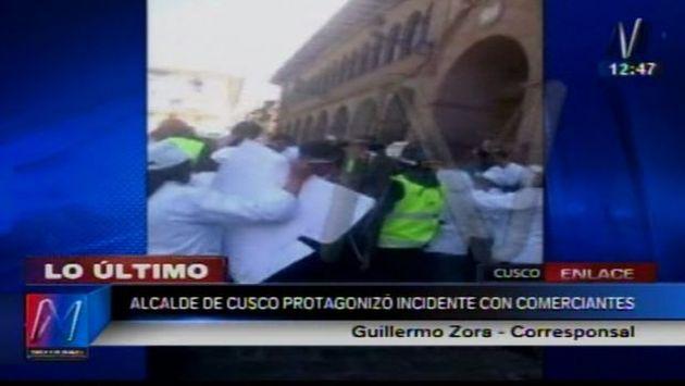 Comerciantes se enfrentaron a Alcalde de Cusco. (Captura)