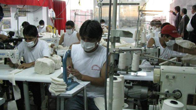 Capacitarán a la micro y pequeña empresas del sector turismo. (Andina)