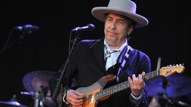Pitzer subrayó que Dylan nunca ha ocultado que adapta pasajes musicales y líricos de otros artistas para sus canciones.