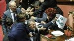 Italia: Congresistas pelean a golpes por ley que da nacionalidad a hijos de inmigrantes [Fotos y Video] - Noticias de valeria bringas