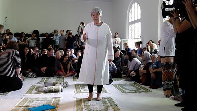 Alemania: Un grupo de musulmanes fundan la primera mezquita liberal dirigida por una mujer (AP)