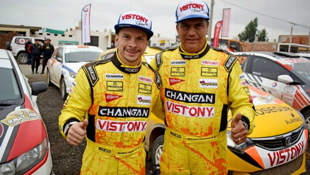 Hart y su copiloto Gustavo Medina se ubicaron terceros en la clasificación general del Rally Asia. (Foto: Difusión)