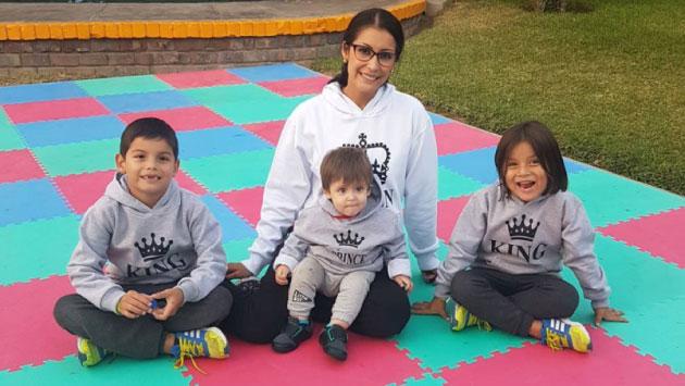 Karla y sus tres hijos. (Foto: Instagram de Karla Tarazona)
