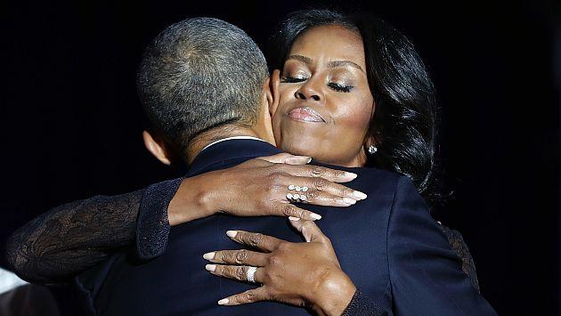 Michelle Obama saluda a Barack Obama por el Día del Padre y Twitter se inunda de amor con su mensaje. (AP)