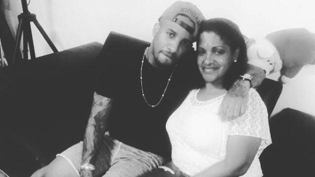 Jeffersón Farfán saludó a su madre en Instagram.