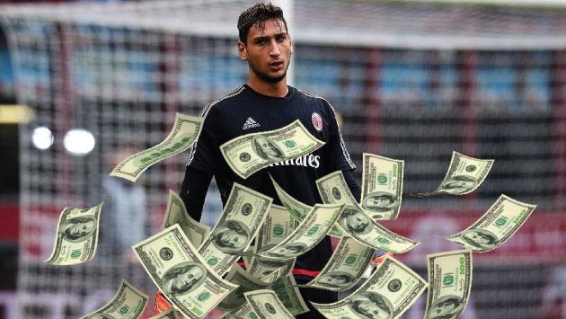 La decisión de no renovar del joven portero no ha agradado a los hinchas del AC Milan. (Composición)