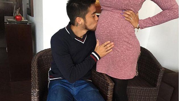 'Gato' Cuba celebró el Día del Padre besando la barriga de Melissa Paredes. (USI)