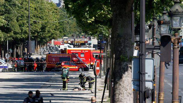 Ataque ocurrió en los Campos Elíseos. Agresor fue abatido. (Reuters)
