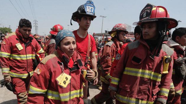 La norma determina que los bomberos voluntarios* prestan el servicio de manera gratuita.  (USI)