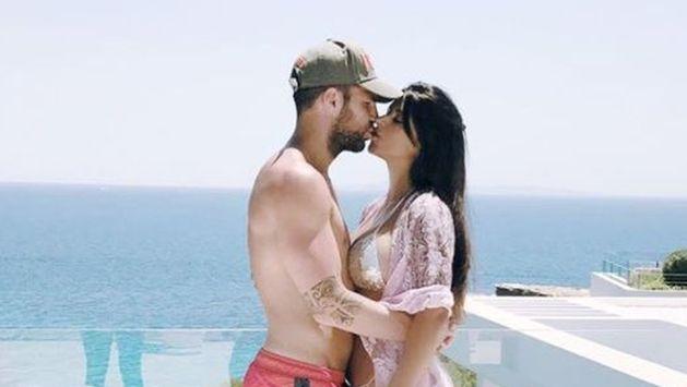 Cesc Fábregas enloquece Instagram por este detalle en su fotografía junto a su esposa [FOTO]
