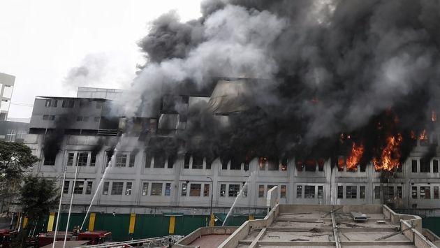 Alerta: Incendio en galería desata pánico en Las Malvinas