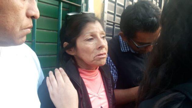 Bertha Villalobos solo quiere volver a ver a su hijo atrapado en incendio en Las Malvinas. (Óscar Flores)