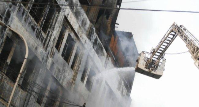 Incendio en galería Las Malvinas