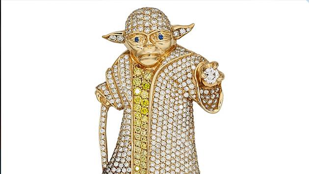 Star Wars: Pendiente de Yoda subastado en Internet tiene más de cien diamantes