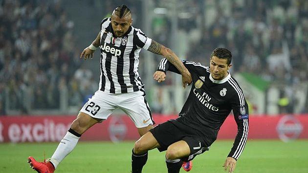A un día del duelo por las semifinales de la Confederaciones, Arturo Vidal arremete contra Cristiano Ronaldo. (AFP)