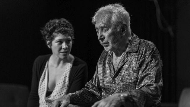 Osvaldo Cattone interpreta a André, un adulto mayor de 80 años que va perdiendo la memori (Teatro La Plaza).